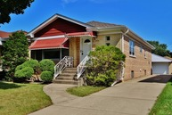 4721 North New England Avenue Harwood Heights IL, 60706