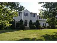 104 Orchard Woods Dr Saunderstown RI, 02874