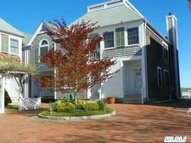 25 Stirling Cove 25 Greenport NY, 11944