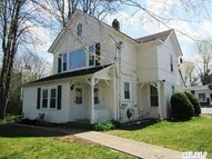 100 N Country Rd Miller Place NY, 11764