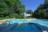 11 Mitchell Dr Great Neck NY, 11024
