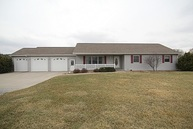 2187 Stewart Drive Washington IA, 52353