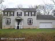 608 Galion Dr Tamiment PA, 18371
