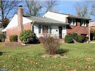 17 Wayne Dr Wilmington DE, 19809