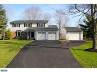 2925 Woodview Dr Hatfield PA, 19440