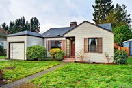 8221 21st Ave Ne Seattle WA, 98115