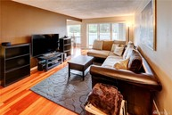 811 Ne 126th Place #A104 Bellevue WA, 98005