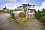 1005 S 101st St Seattle WA, 98168