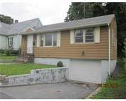 479 Riverside Dr Lawrence MA, 01841