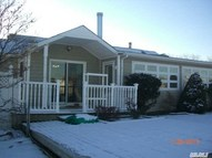 97 Ocean Ave Bay Shore NY, 11706