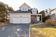 3 Wateredge Ct Oakdale NY, 11769