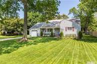 332 Lakeview Ave Brightwaters NY, 11718