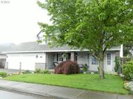 1118 S Pine St Canby OR, 97013