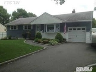 18 Firtree Ln Huntington Station NY, 11746