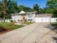 7 Burndale Ct Wheatley Heights NY, 11798