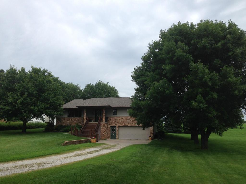 606 North Walnut IA, 51577