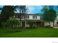 23484 Meadow Park Redford MI, 48239