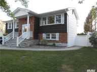 228 Manetto Hill Rd Plainview NY, 11803