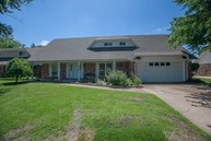 9040 E 27th Street Tulsa OK, 74129