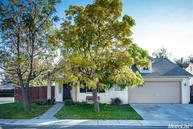 2466 Hearthsong Dr Riverbank CA, 95367