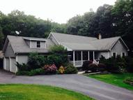 17 Salem View Dr Waymart PA, 18472
