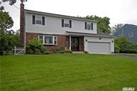 22 Barberry Rd West Islip NY, 11795