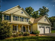 22 Magnolia Lane North Grafton MA, 01536