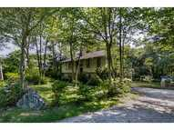 15 Maple Av Jamestown RI, 02835