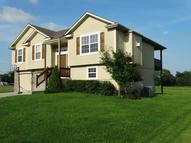 416 Golfview Drive Pleasant Hill MO, 64080