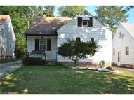5567 Oakwood Ave Maple Heights OH, 44137