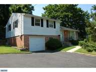 400 N Bishop Ave Clifton Heights PA, 19018