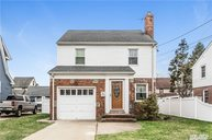 236 Bedell Ter West Hempstead NY, 11552