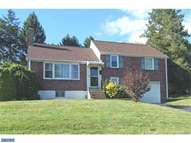 16 Meadowbrook Ln Brookhaven PA, 19015