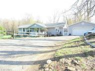 7020 Mapleton St Southeast East Canton OH, 44730