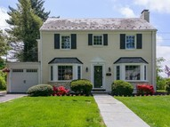 46 Rolling Hill Rd Manhasset NY, 11030