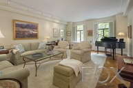 300 Central Park West 2l New York NY, 10024