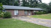 14 Ceramic Drive Laurel MS, 39443