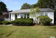 3 Mayflower Ct Centerport NY, 11721