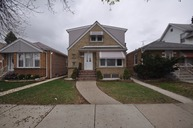6149 South Moody Avenue Chicago IL, 60638