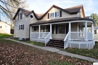 413 W 5th St Washburn WI, 54891