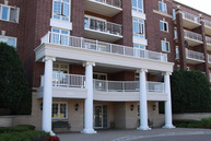 7051 West Touhy Avenue 402 Niles IL, 60714