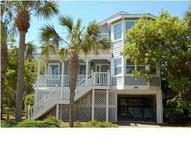 68 Pelican Reach Isle Of Palms SC, 29451