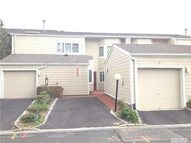 17 Lakeside Ln Bay Shore NY, 11706