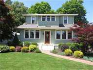 395 Woodland Street Manchester CT, 06042