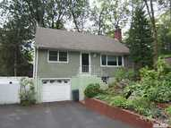 2 Pocket Ct Northport NY, 11768