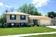 629 Old Farm Drive Roselle IL, 60172