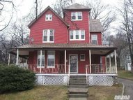 37 Continental Pl Glen Cove NY, 11542