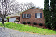 3810 Wildwood Rd Maryville TN, 37804
