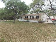196 Stolles Dr Pipe Creek TX, 78063