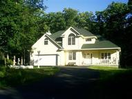 800 Hillview Place Lords Valley PA, 18428